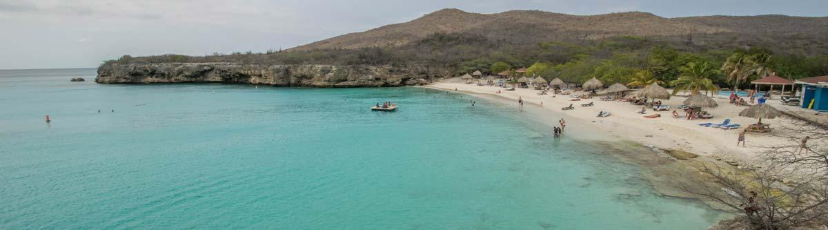 'De grote knip' in Curacao, also known as Kenepa Beach.
