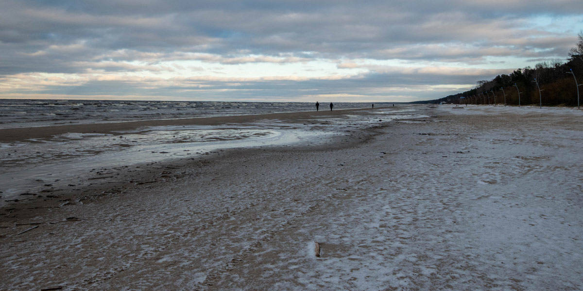 The frozen beach of Jurmala.