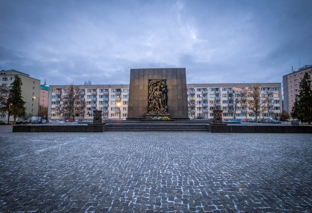 The monument for the heroes of the Warsaw ghetto. Right in front of the POLIN museum.