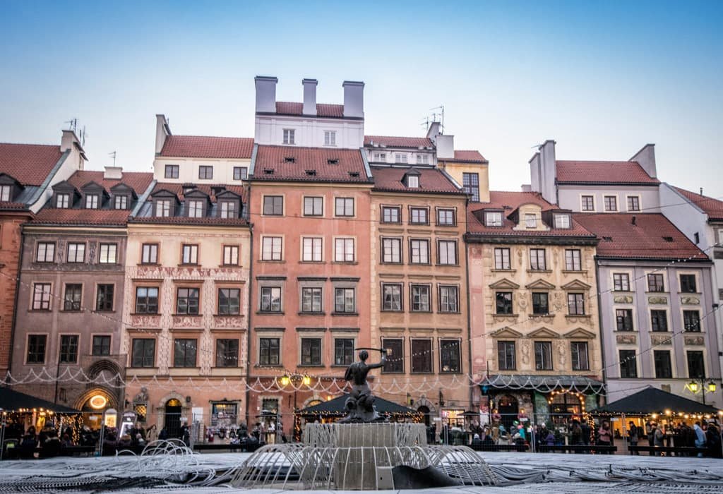 The central square within the Stare Miasto. Look at the gorgeous facades of the houses!
