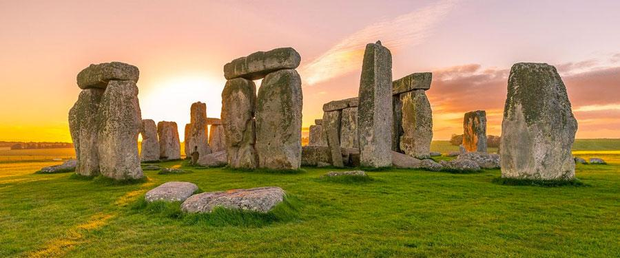 Stonehenge is one of the oldest monuments of England and even the world!