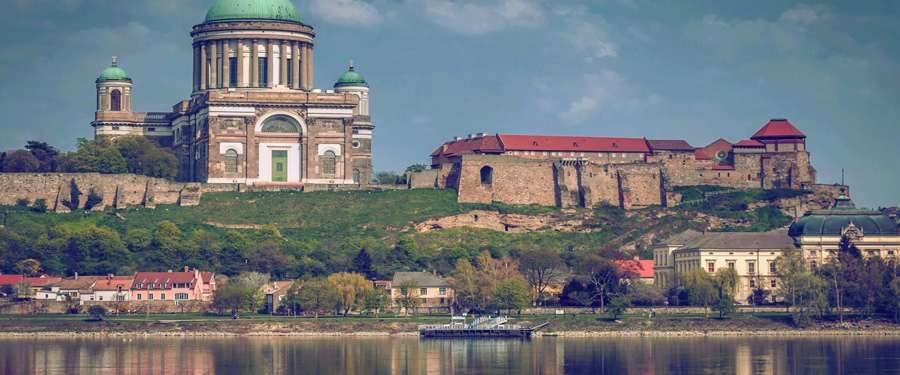 The Esztergom basillica is the headquarters of the cathollic church in Hungary.