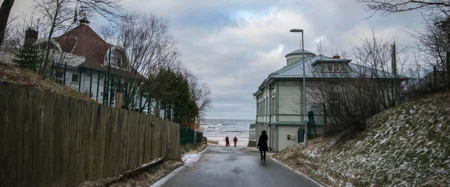 The entrance to the beach of Jurmala. Even during winter it looks inviting!