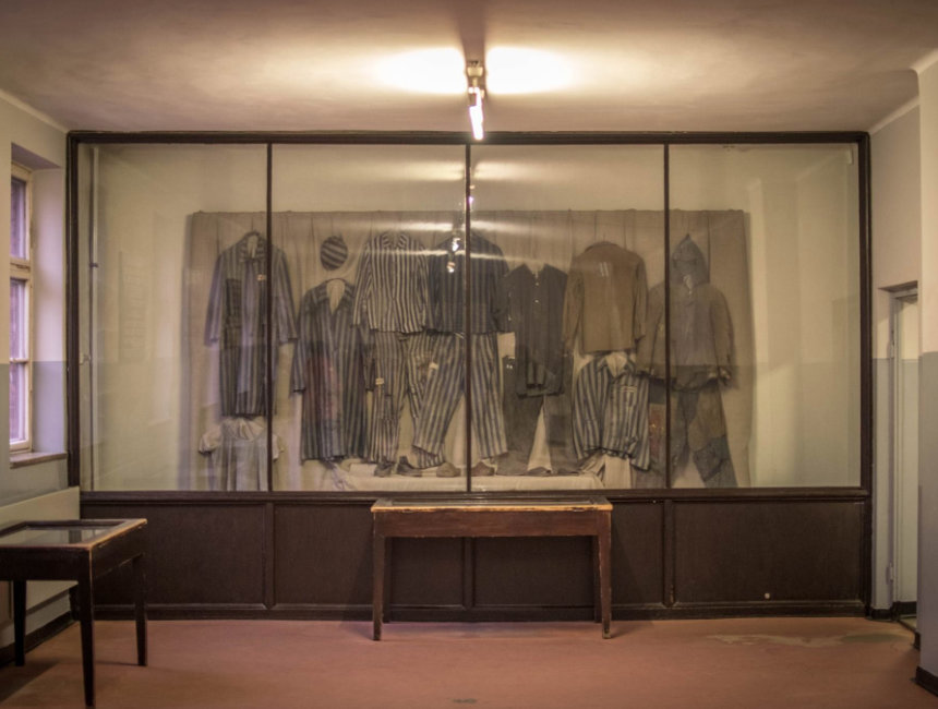 visit auschwitz in poland - prison outfits