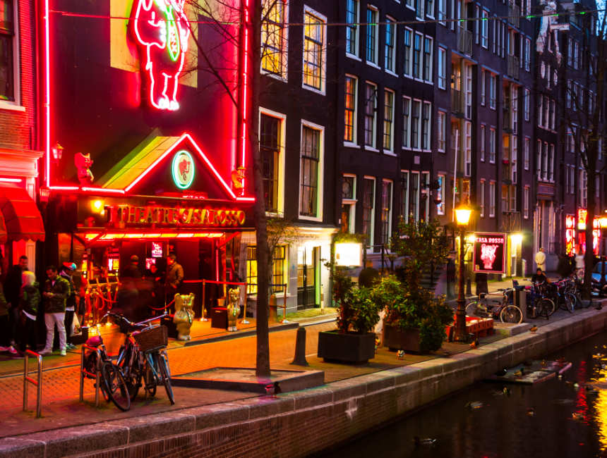 The red light district tour in amsterdam what to expect for Casa amsterdam