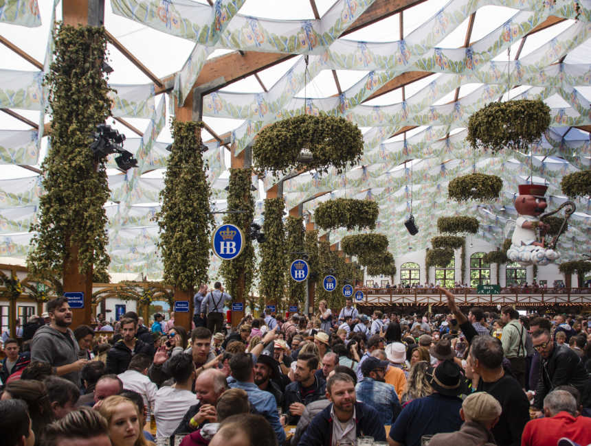 hofbrau festzelt oktoberfest munich  sc 1 st  Checkoutsam.be & Oktoberfest in Munich | What is there to do and how are they ...