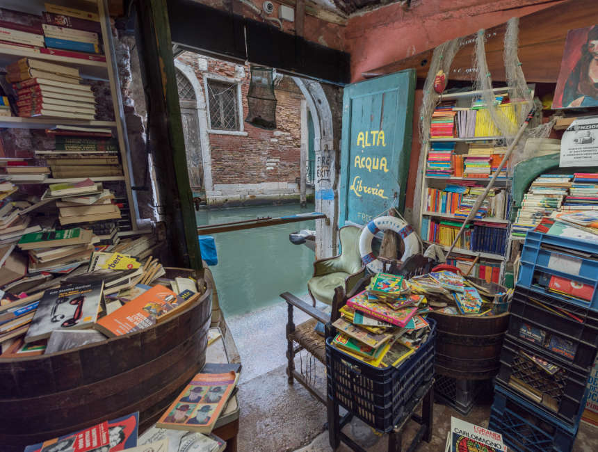 libreria acqua alta venice things to do