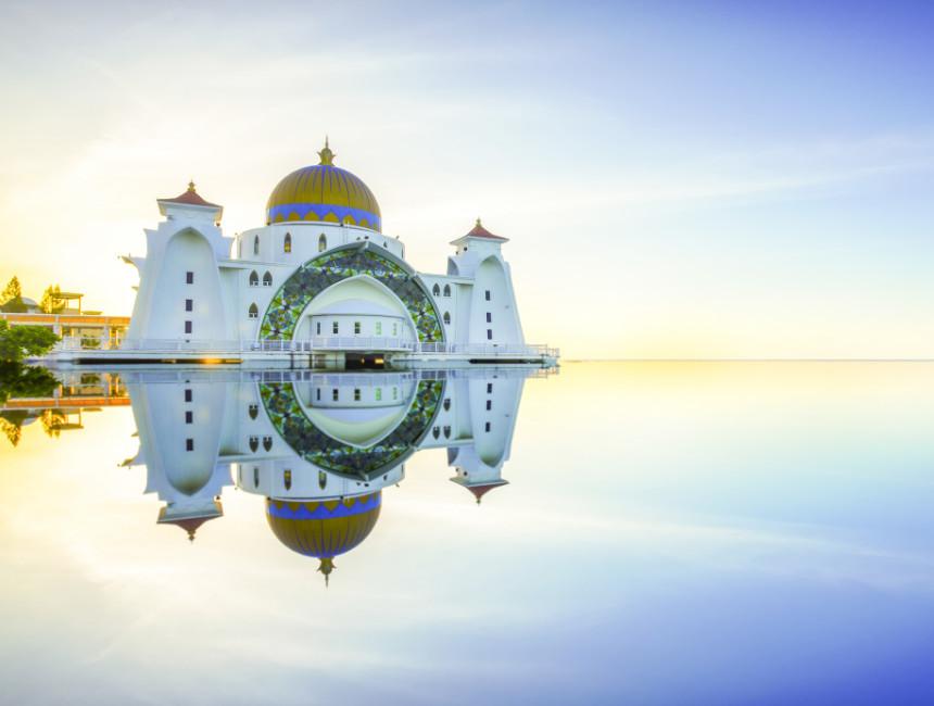 masjid selat melaka mosque malacca
