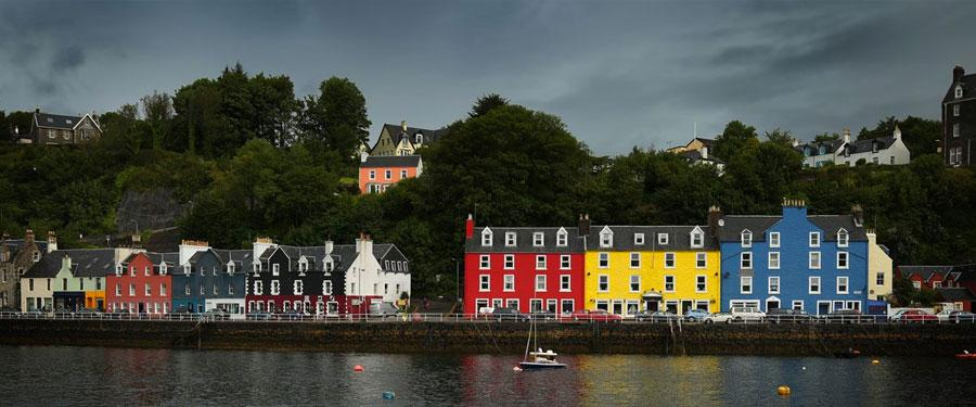 colorful houses tobermory isle of mull