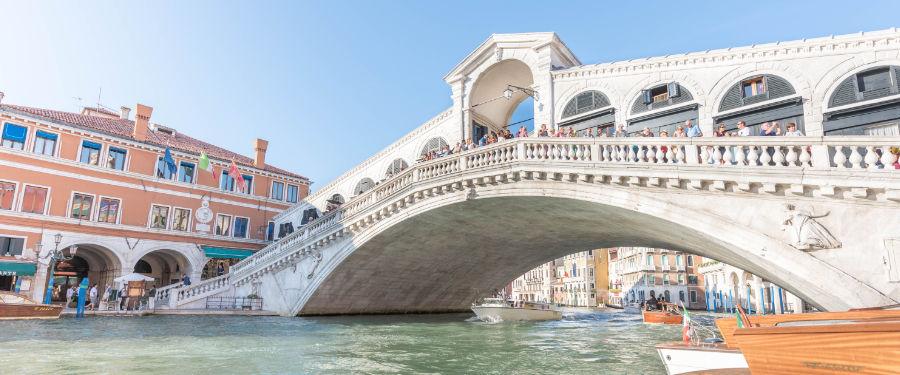 rialto bridge venice travel guide
