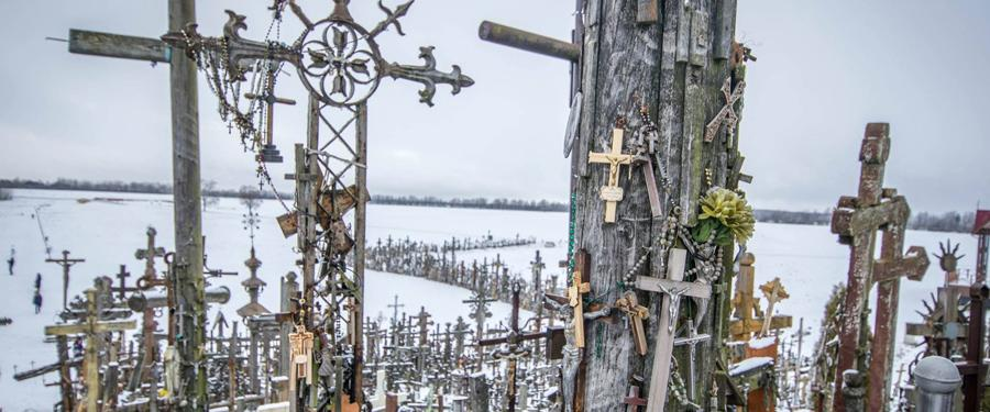 siauliai travel guide hill of crosses