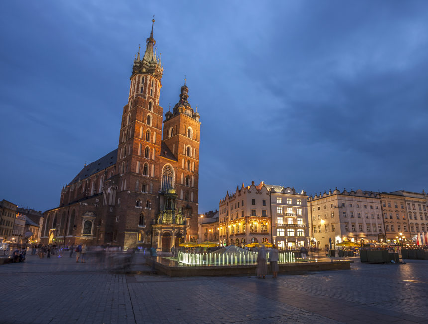 St Mary's church Krakow places to visit