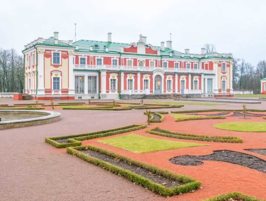 tallinn things to do kadriorg palace