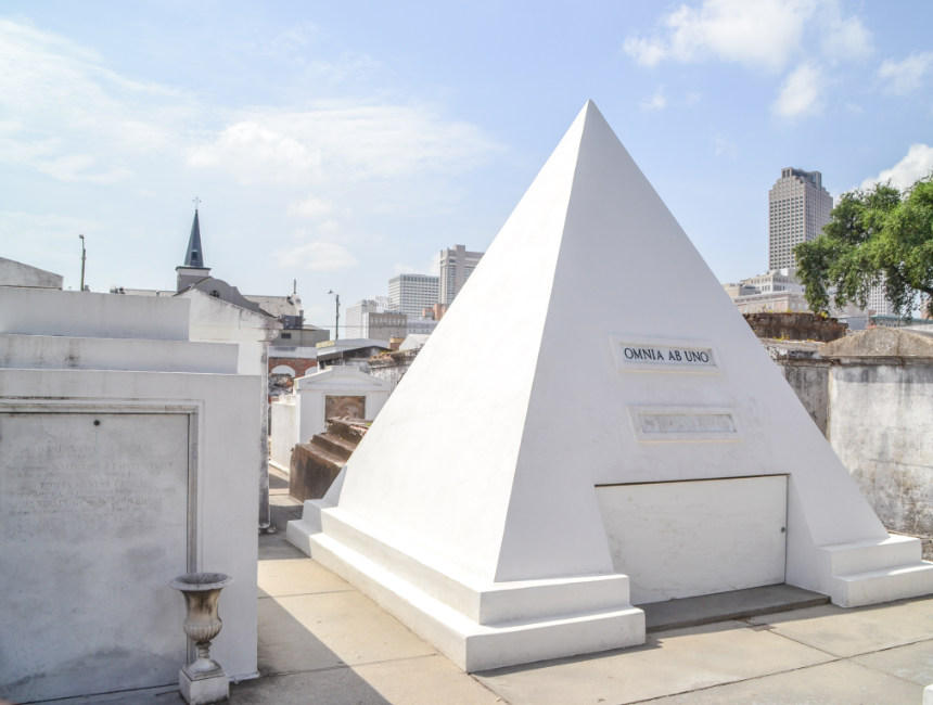 new orleans cemetery nicolas cage st louis cemetery no 1