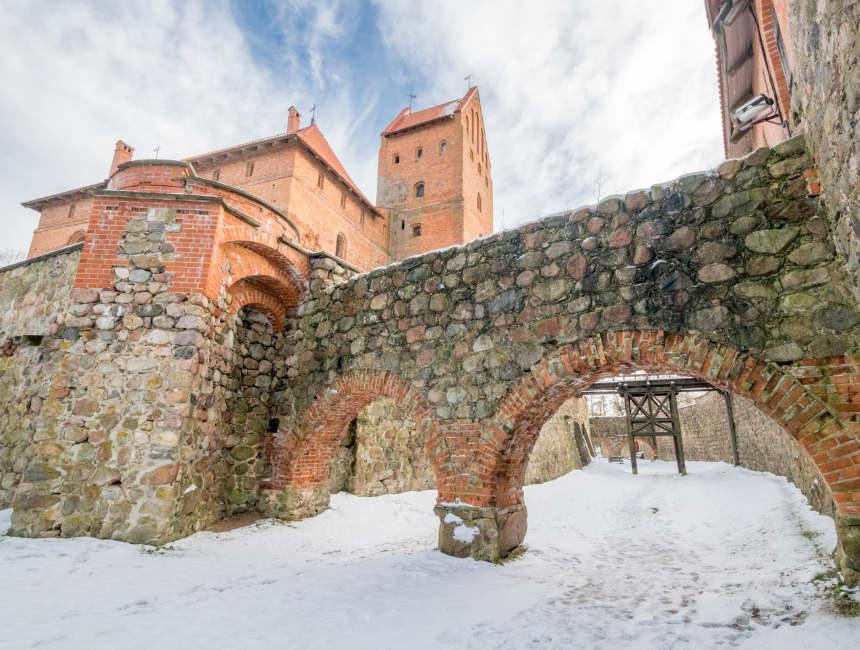 trakai castle day trip vilnius