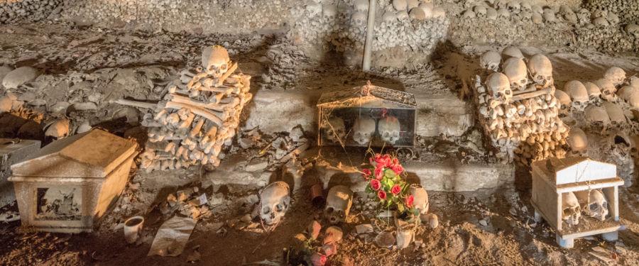 naples travel guide cimitero delle fontanelle