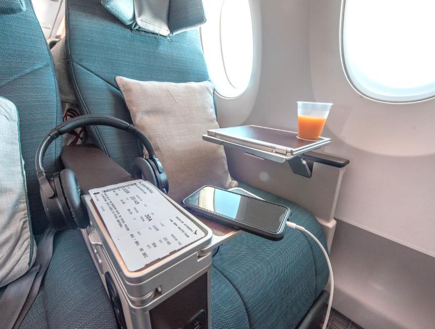 flight australia cathay pacific premium economy