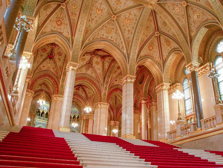 visit budapest parliament inside