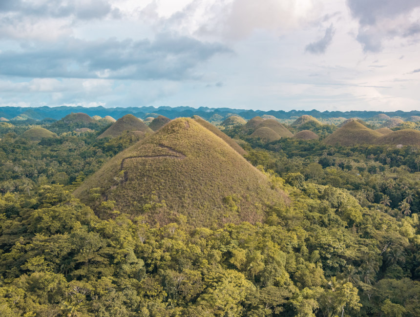 chocolate hills bohol things to do