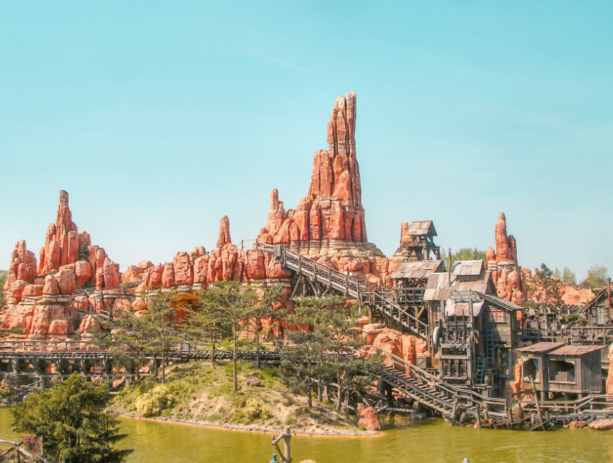 things to do in Disneyland Paris Frontierland