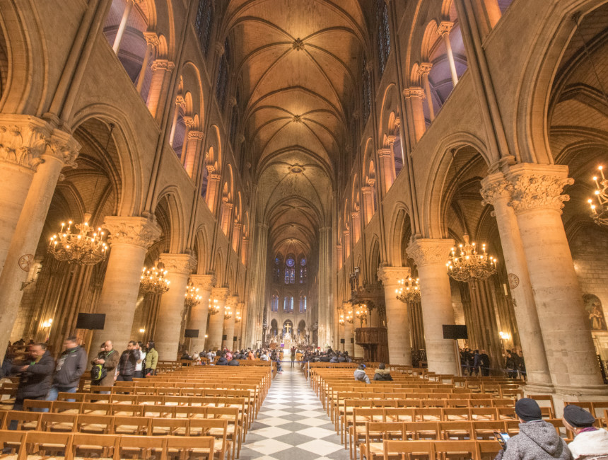 notre dame inside before fire