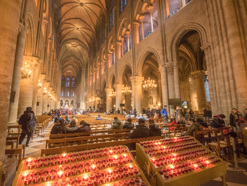notre dame interior before fire