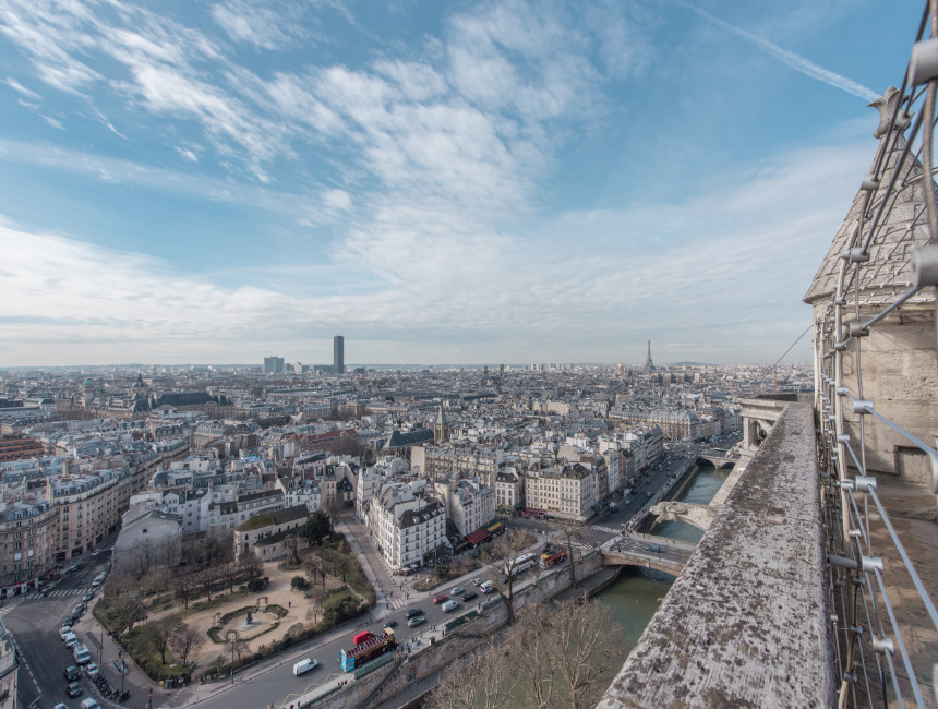view notre dame tower before fire