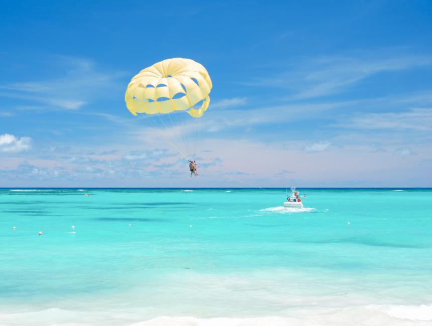 parasailing Dominican Republic