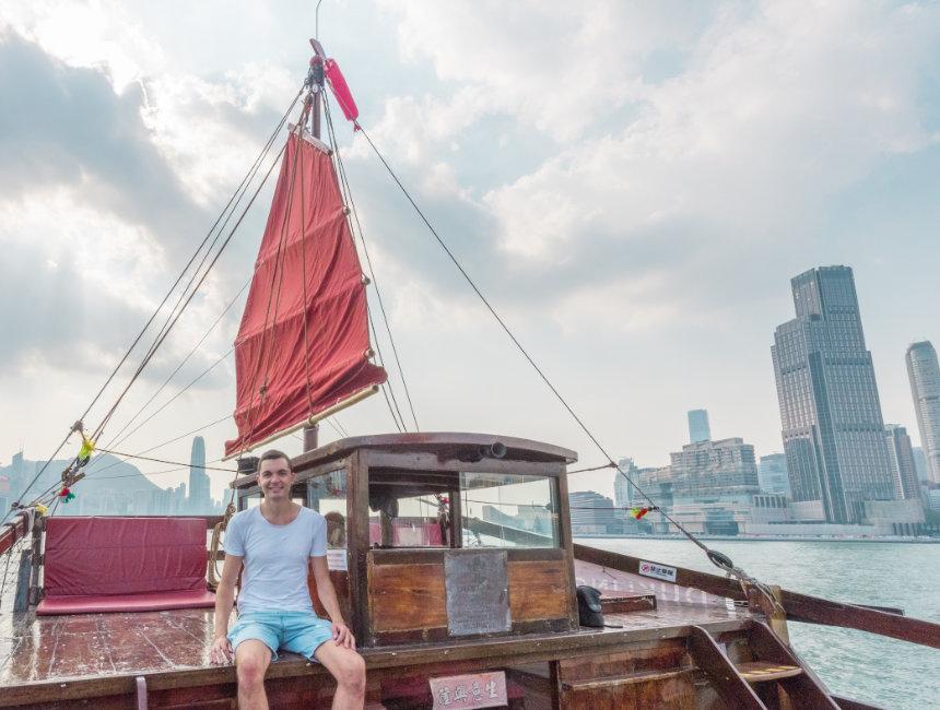 dukling hong kong things to do junk boat