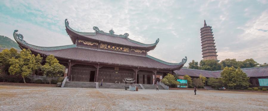 Bich Dong Pagoda travel guide Vietnam